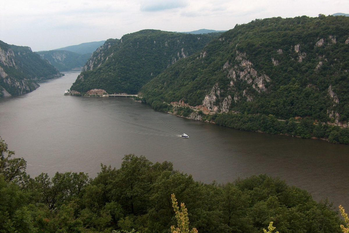 Lost world along the Danube – 65 EUR (12+ h)